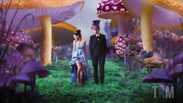 1-alice-in-wonderland-wedding-photo