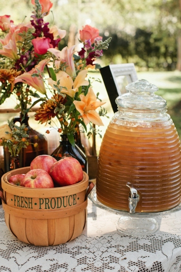 honey-theme-wedding-ideas-28