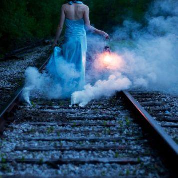 smoke bomb wedding photography (12)
