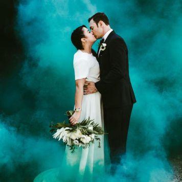 smoke bomb wedding photography (6)