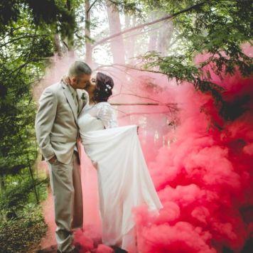 smoke bomb wedding photography (7)