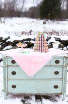 unicorn-styled-wedding-shoot-dessert-table