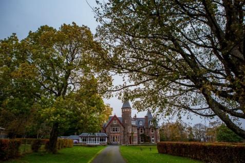 destination-wedding-photographer-scotland-eilean-donan-isle-of-skye-torridon-001-1-900x600