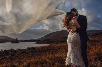 destination-wedding-photographer-scotland-eilean-donan-isle-of-skye-torridon-107-1-900x600