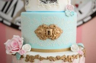 alice-in-wonderland-birthday-party-via-karas-party-ideas-karaspartyideas-com5_
