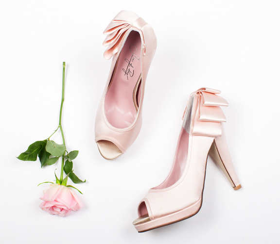 blush-bow-shoes-of-prey-576x503