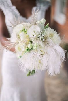 Bouquet com plumas