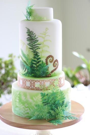 Lindy-Smith-fern-cake-for-Botanical-wedding-shoot