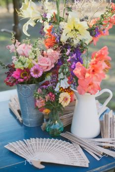mixed-wildflowers-boho-wedding-flower-centerpiece
