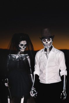 A-Skeletons-Not-So-Bridal-Shoot-35-640x958