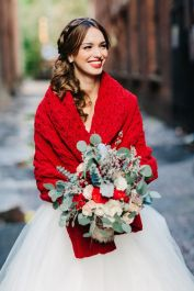 16-cozy-knit-red-wedding-wrap-is-ideal-for-a-winter-or-fall-bride