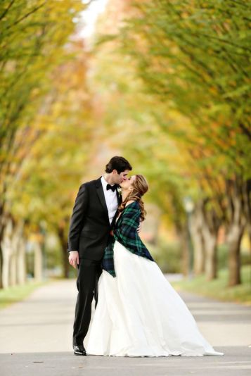 https://www.theknot.com/real-weddings/a-black-and-white-wedding-at-overbrook-golf-club-in-villanova-pennsylvania-album/?utm_source=pinterest.com&utm_medium=social&utm_content=nov2015&utm_campaign=real-weddings