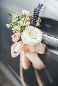 38d39b25b65de2b91f85d2ba44d5b1f6--trendy-wedding-wedding-cars.jpg